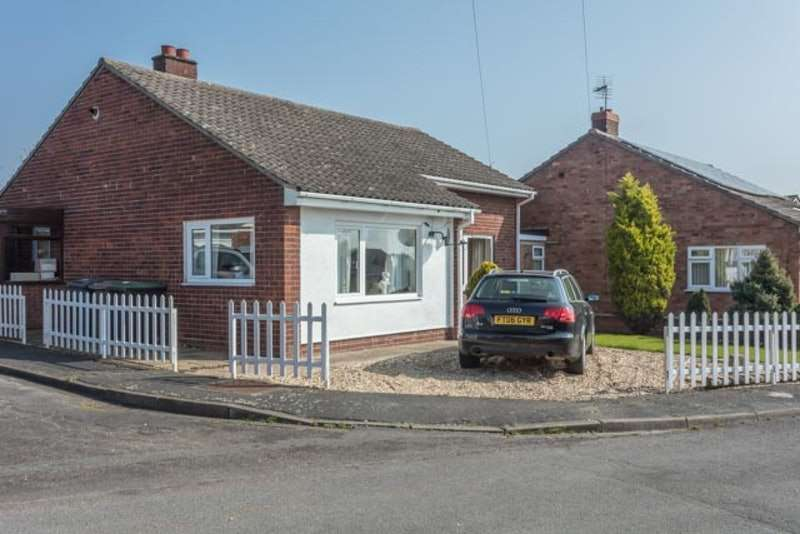 3 Bedrooms Bungalow for sale in Sandra Crescent, Washingborough, Lincoln, Lincolnshire, LN4