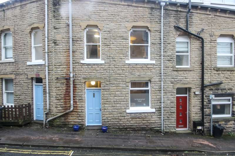 3 Bedrooms Terraced House for sale in Hangingroyd Road, Hebden Bridge, West Yorkshire, HX7