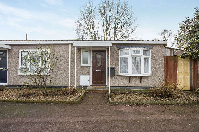1 Bedroom Bungalow for sale in Ozolins Way, London, E16