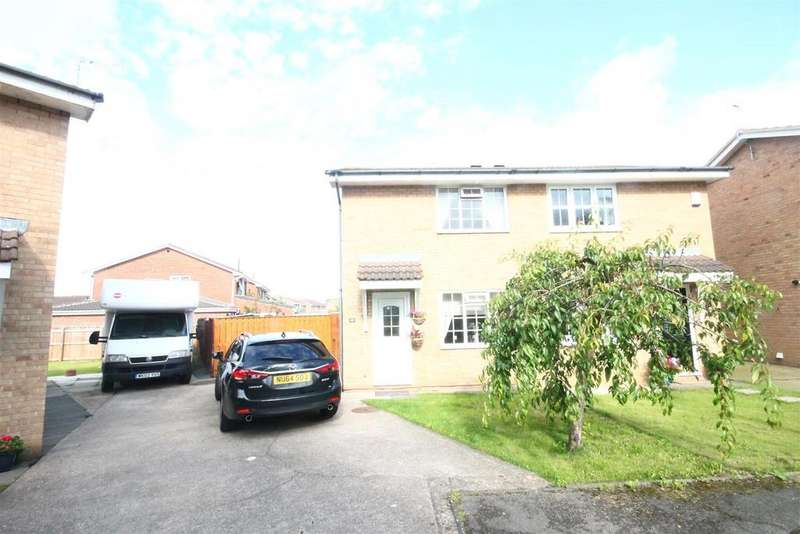 2 Bedrooms Semi Detached House for sale in Harebell Close Ingleby Barwick, Stockton-On-Tees