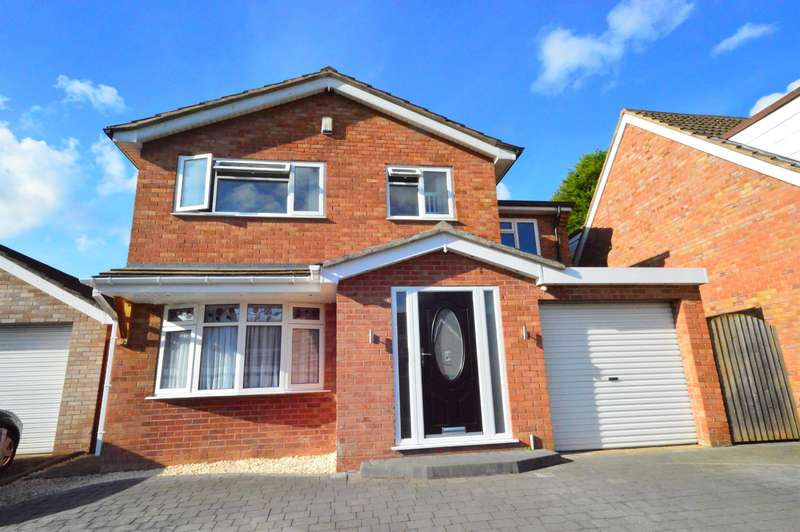 4 Bedrooms Detached House for sale in Coltbeck Avenue, Narborough, Leicester, LE19 3EJ