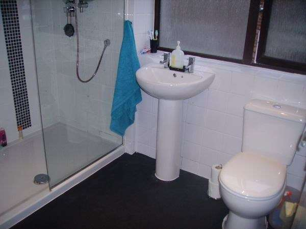 4 Bedrooms Semi Detached House for sale in Hawkstone Avenue, Whitefield, Manchester, M45