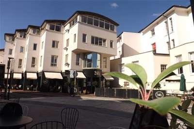 2 Bedrooms Flat for rent in Times Square, Tunbridge Wells