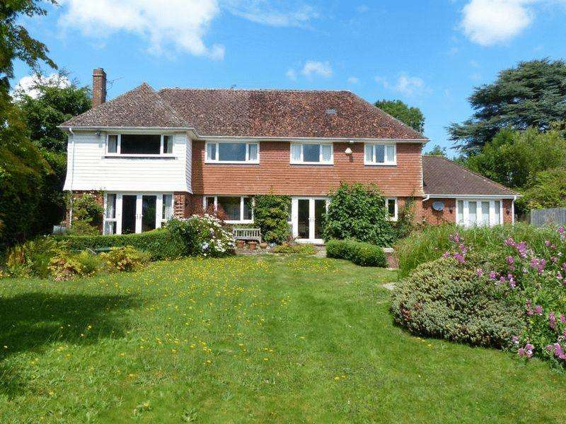 5 Bedrooms Detached House for sale in Angley Road, Cranbrook
