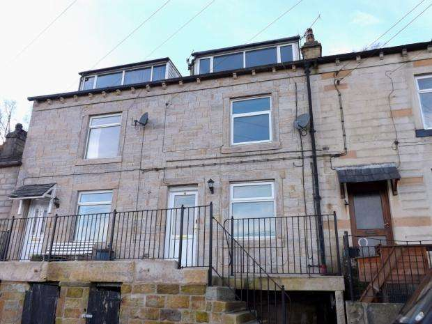 2 Bedrooms Semi Detached House for sale in Pexwood Road Todmorden