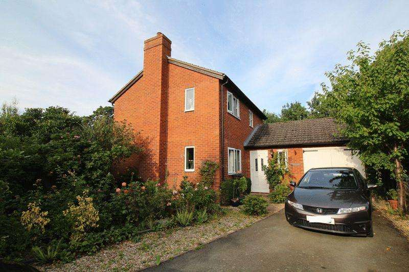 3 Bedrooms Detached House for sale in The Fairways, Grange Lane, Condover, Shrewsbury, SY5 7BW