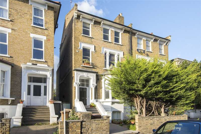 2 Bedrooms Flat for sale in Downs Road, London, E5