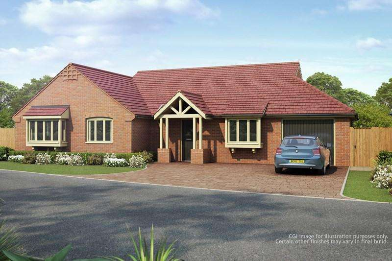 3 Bedrooms Detached Bungalow for sale in Alcester Road, Finstall, Bromsgrove