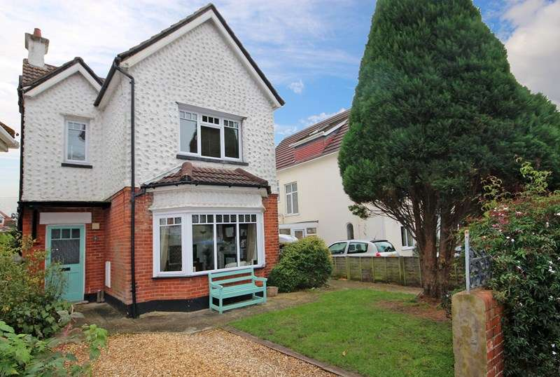 4 Bedrooms Detached House for sale in Seaward Avenue, Southbourne, Bournemouth