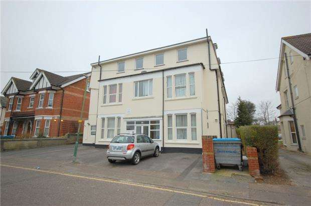 3 Bedrooms Flat for sale in Bournemouth, Dorset, BH5