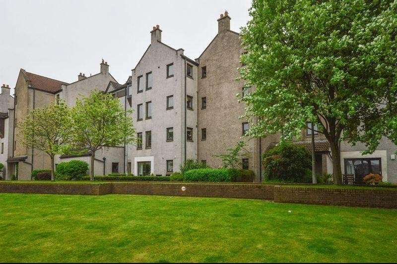 3 Bedrooms Property for sale in 12/1 Sandport, The Shore, Leith, Edinburgh, EH6 6PL