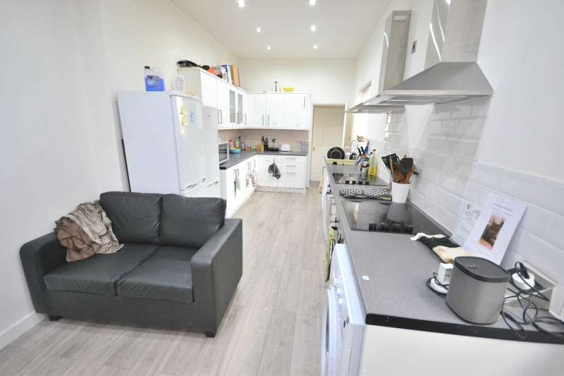 7 Bedrooms Terraced House for rent in London Road, Reading, Berkshire, RG1 3NZ