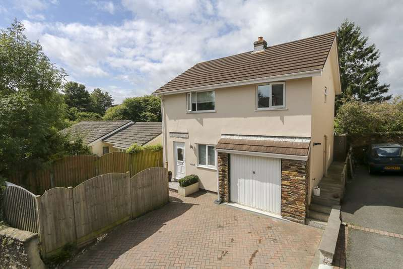 4 Bedrooms Detached House for sale in Church Street, Kingsteignton