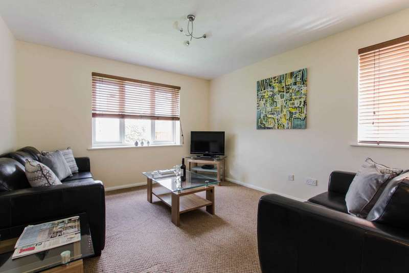 2 Bedrooms Apartment Flat for rent in Town Mead, West Green, Town Centre