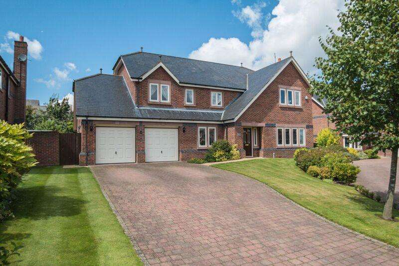 5 Bedrooms Detached House for sale in Bellcast Close, APPLETON, Warrington, WA4