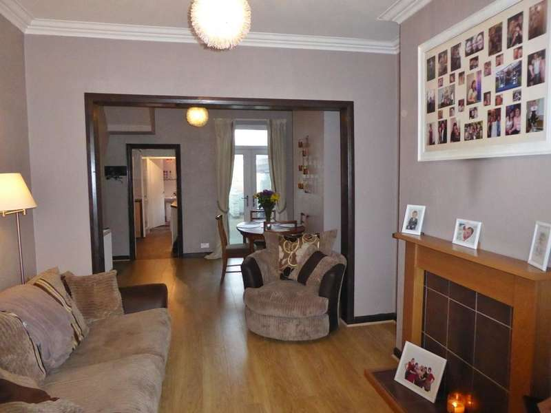 3 Bedrooms House for sale in Chanterlands Avenue, Hull, HU5 3SR