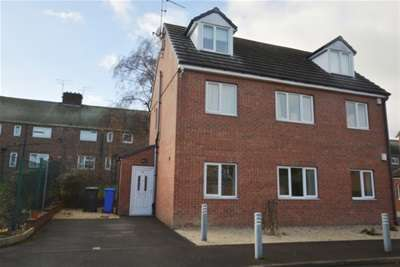 3 Bedrooms Flat for rent in Jaunty Way, Basegreen, Sheffield, S12