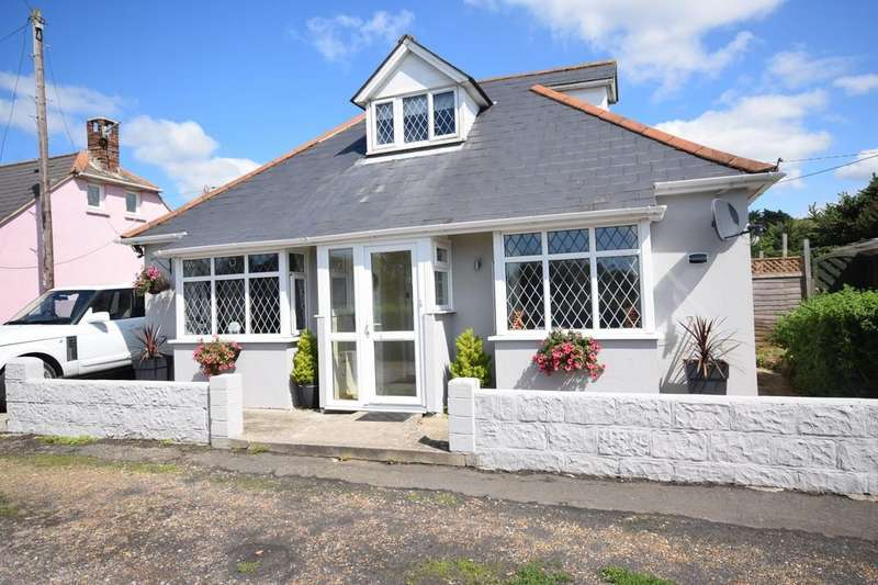 3 Bedrooms Detached Bungalow for sale in New Road, Brighstone