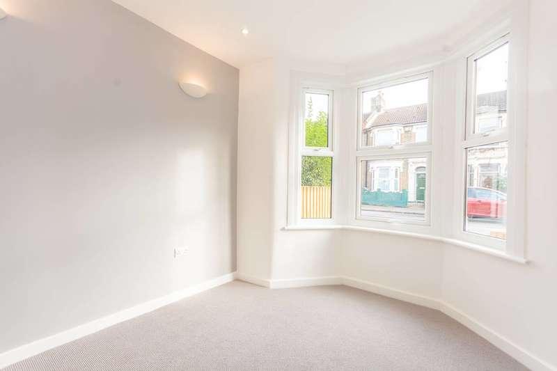 2 Bedrooms Flat for rent in Blackhorse Lane, Walthamstow, E17