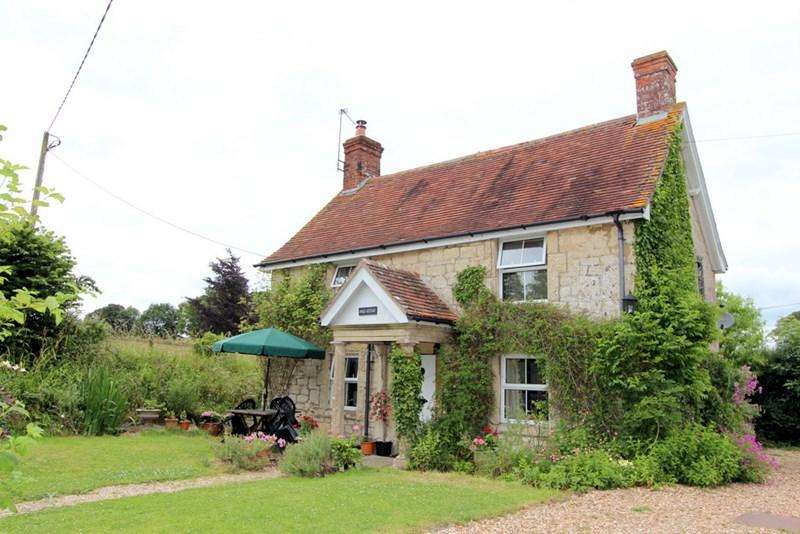 3 Bedrooms Detached House for sale in Marnhull, Dorset
