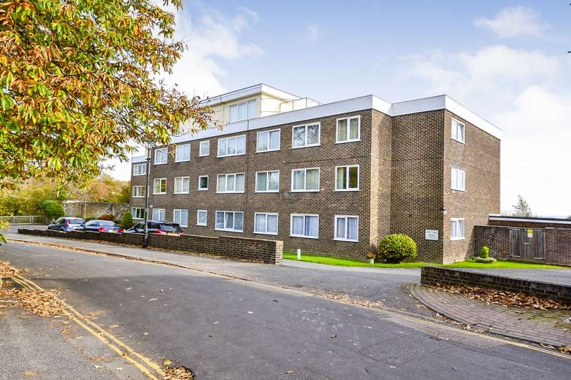 2 Bedrooms Flat for sale in Dorset House, Hastings Road, Bexhill On Sea, TN40