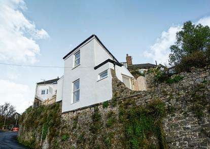 2 Bedrooms Detached House for sale in Newton Abbot, Devon, England