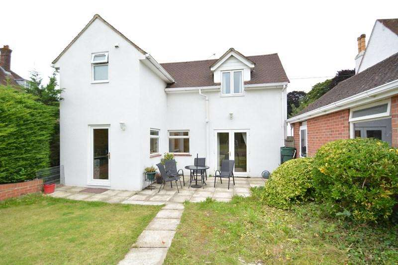 3 Bedrooms Detached House for sale in The Avenue, Andover
