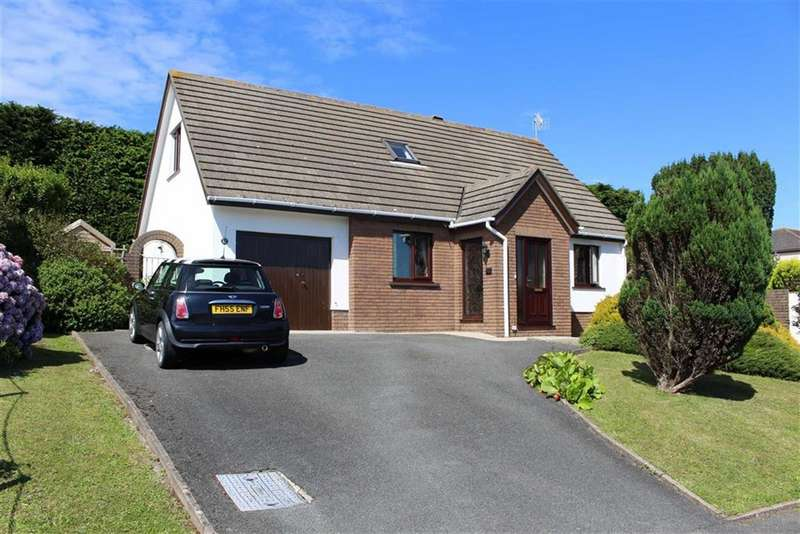 3 Bedrooms Detached House for sale in Glenview Avenue, Pembroke Dock