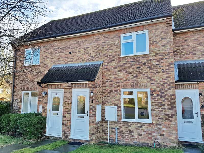 2 Bedrooms Terraced House for rent in The Swallows, Welwyn Garden City, AL7