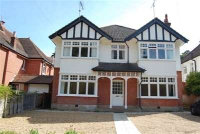 3 Bedrooms Flat for rent in CHESTER ROAD, BRANKSOME PARK