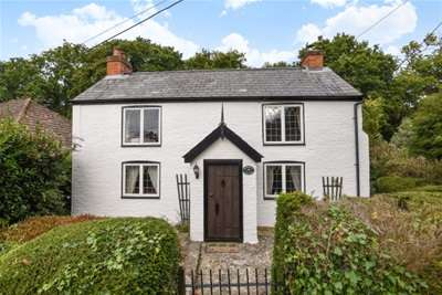 2 Bedrooms Cottage House for rent in Cottagers Lane, Hordle