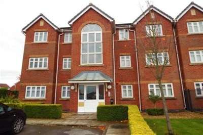 2 Bedrooms Flat for rent in Rollesby Gardens, WA9 5WG