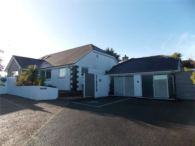 4 Bedrooms Detached House for sale in Heather Lane, Canonstown, Hayle