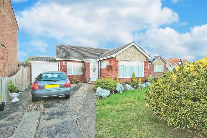 2 Bedrooms Bungalow for sale in Richmond Drive, Clacton-On-Sea