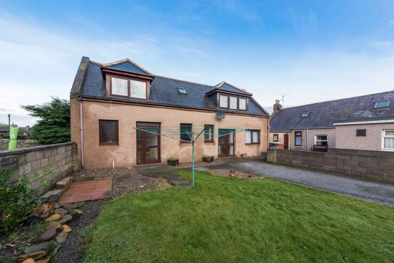 3 Bedrooms Detached House for sale in Anton Street, Buckie, Moray, AB56 1QT