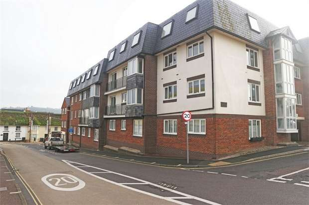 2 Bedrooms Flat for sale in Beer Road, Seaton, Devon