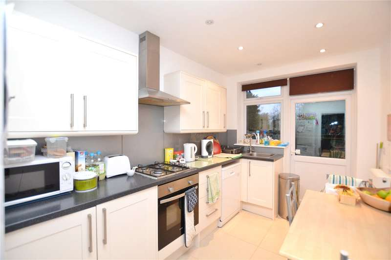 4 Bedrooms Detached House for rent in Wilmer Way, Southgate, N14
