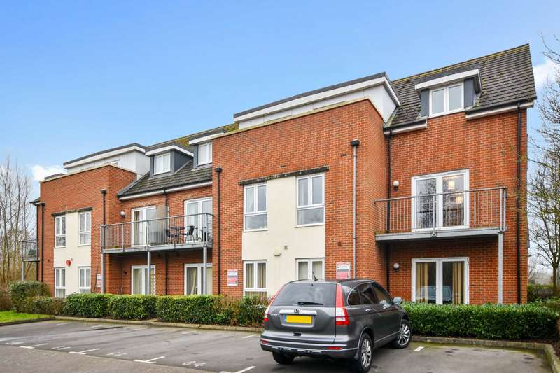 2 Bedrooms Apartment Flat for sale in Leander Way, Rivermead Park