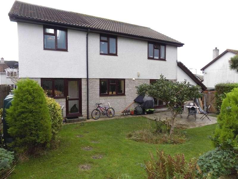5 Bedrooms Detached House for sale in Welman Road, Millbrook