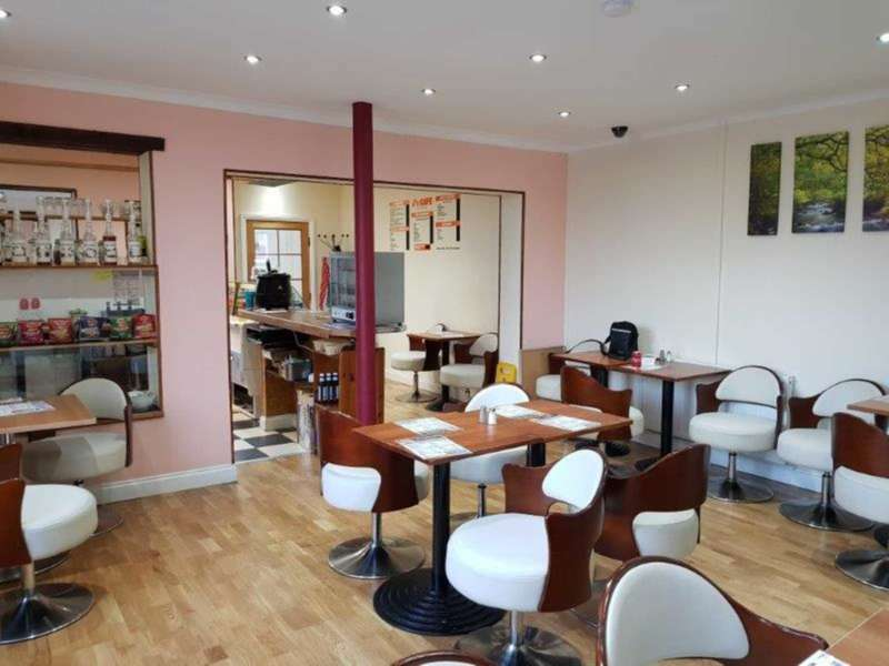 Commercial Property for rent in Oldham Road, Manchester