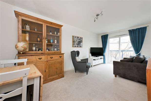 2 Bedrooms Flat for sale in Westbourne Drive, Forest Hill