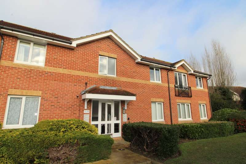 2 Bedrooms Apartment Flat for rent in Trevithick Close, Feltham, TW14