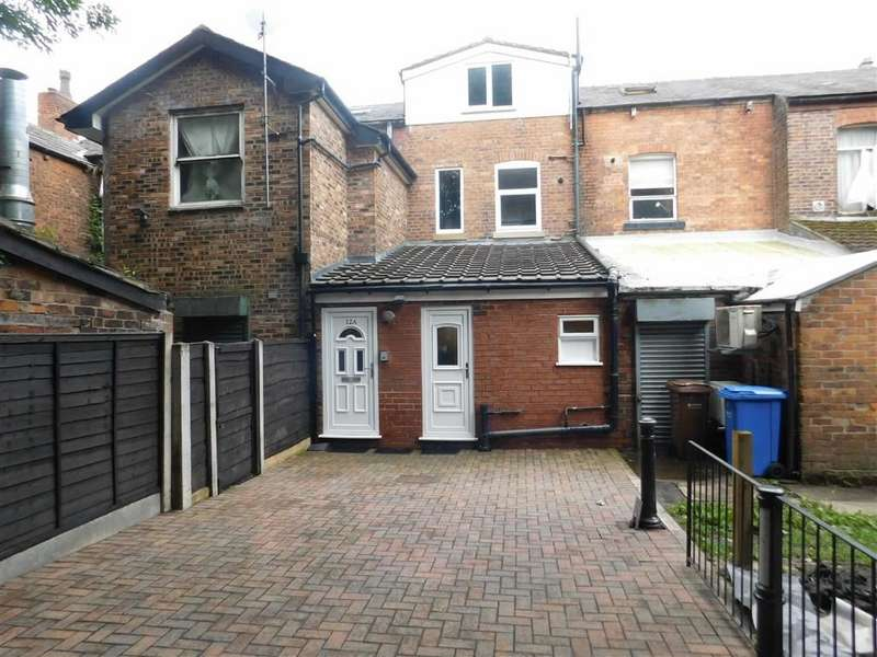 2 Bedrooms Flat for sale in Stockport Road, Romiley, Stockport