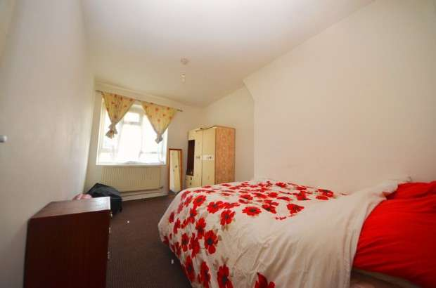 2 Bedrooms Flat for sale in Birch House, Tulse Hill Estate, Tulse Hill, SW2