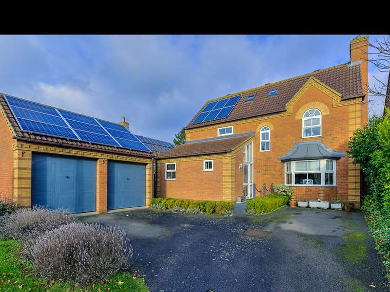 5 Bedrooms Detached House for sale in Copes Close, Buckden, Cambridgeshire, PE19