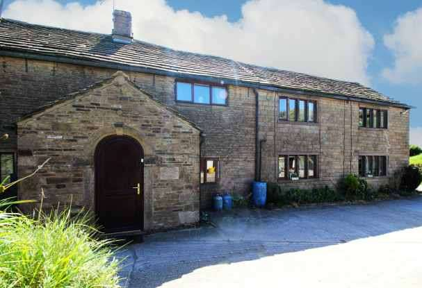 3 Bedrooms Farm House Character Property for sale in Moorside Farm, Hyde, Cheshire, SK14 6SG