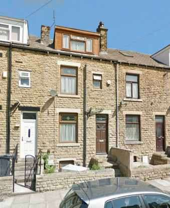 4 Bedrooms Terraced House for sale in Maidstone Street, Bradford, West Yorkshire, BD3 8AN