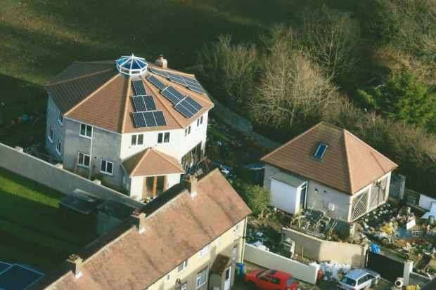 3 Bedrooms Detached House for sale in East Lea View, Scarborough, North Yorkshire, YO11 3TN