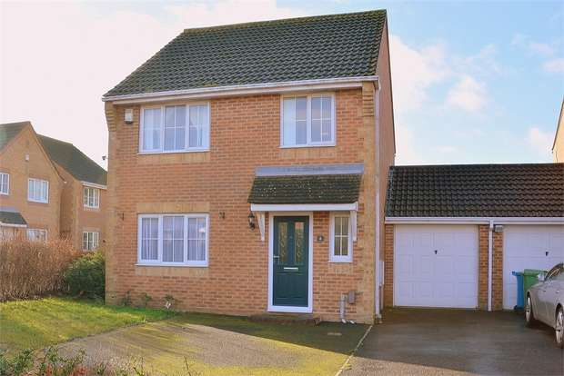 4 Bedrooms Detached House for sale in Bishop Close, Talbot Village, Poole