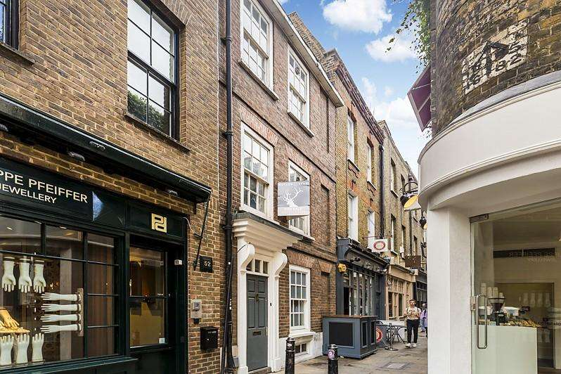 4 Bedrooms House for sale in Artillery Passage, Spitalfields